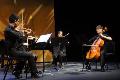 弦樂四重奏,演奏傳統歌曲。(記者湯唯/攝影)