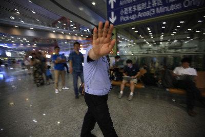 首都機場20日發生爆炸案後,警方如臨大敵。(歐新社)