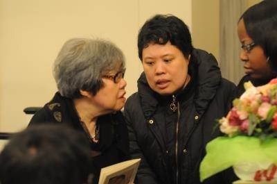 王洞與夏志清自閉症女兒參加追思會。(記者許振輝/攝影)