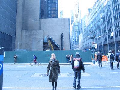 萬科集團投資入股的萊星頓大道610號商業大廈正在興建當中。街對面為施工工地。(韓傑/攝影)