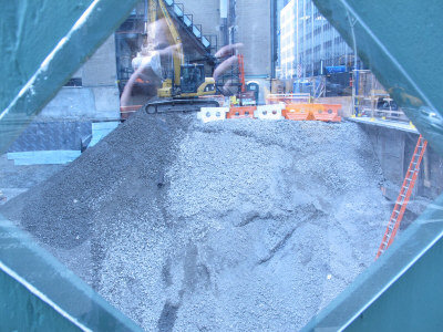 萊辛頓大道610號商業大廈正在緊張施工中。(韓傑/攝影)