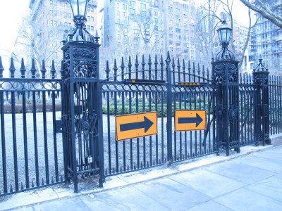 格蘭莫斯公園是曼哈坦唯一一個私家公園,四周是高級公寓,住戶也是富人。(韓傑/攝影)