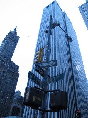 通用汽車大廈位於中央公園東南角,屬於曼哈坦的高檔辦公大樓。(韓傑/攝影)