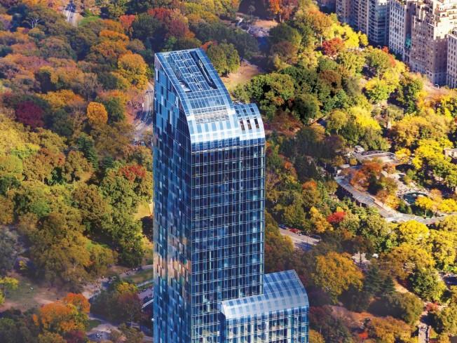 中国买家钱进纽约,置数千万巨资在纽约顶级豪宅One 57购房。(取自网络)。</p><br /><br /><br /> <p>