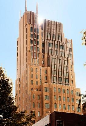 旧住宅或办公楼改造为公寓在纽约蔚然成风,图为纽约Walker Tower。(取自网络)</p><br /><br /><br /> <p>
