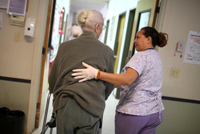 註冊護士工作到2022年將大幅度增長。(Getty Images)
