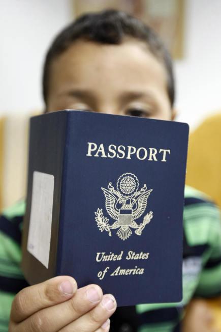 路易斯安納、明尼蘇達、美屬薩摩亞、新罕布夏及紐約州居民,2016年開始搭乘國內班機,可能都得帶護照。(Getty Images)