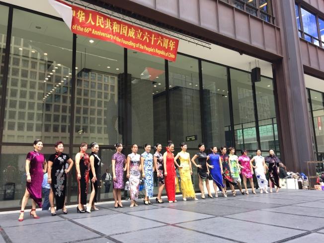 旗袍秀是當天活動的另一焦點。(記者黃惠玲/攝影)