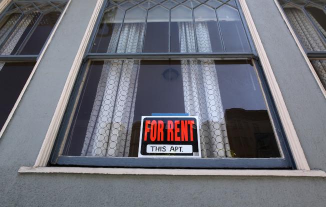 房东出租房子,为了避免遇上恶房客,查核房客的信用纪录是基本步骤。(Getty Images)