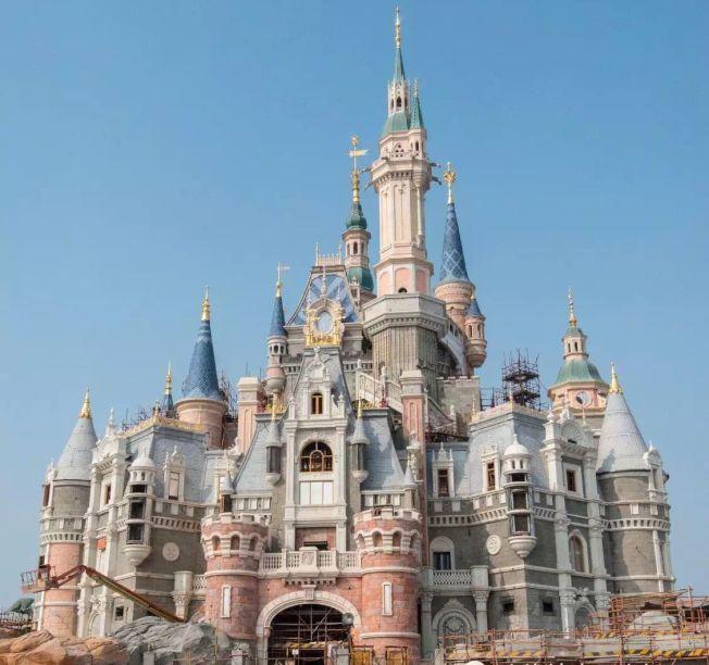 上海迪士尼的「奇幻童話城堡」是由台商簡廷在承建。(圖:簡廷在提供)