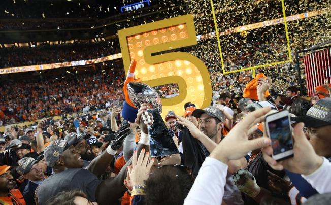 丹佛野馬7日以24:10擊敗卡羅來納黑豹,贏得第50屆NFL職業美足超級盃。(Getty Images)