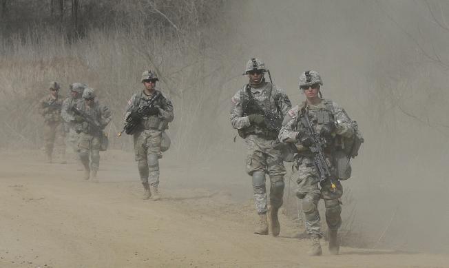 美軍4月1日在南韓靠近北韓的坡州地區巡邏。(美聯社)