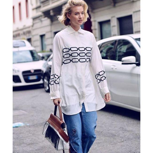 澳洲時尚部落客Zanita Whittington表現出Wave Bag的慵懶美感。(圖:TOD'S提供)