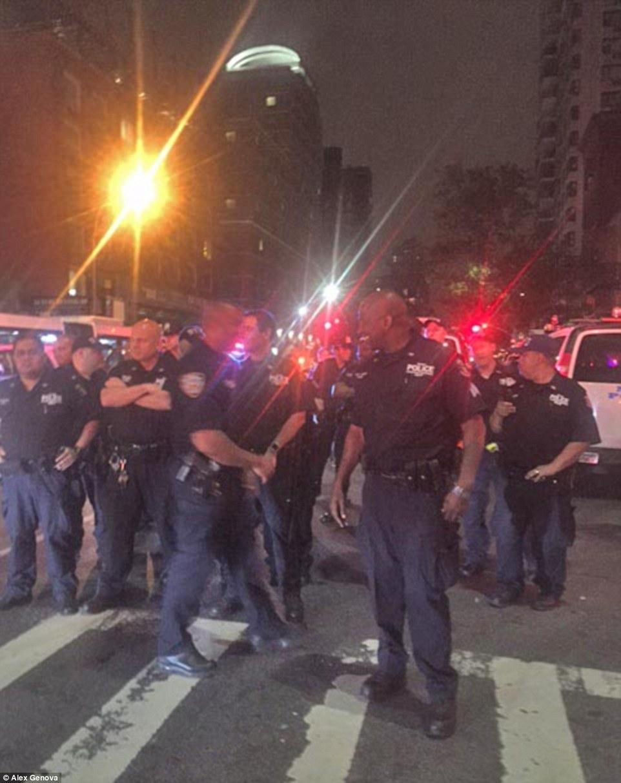 嘻哈歌手秘辦演唱會 上千歌迷引起紐約市暴動