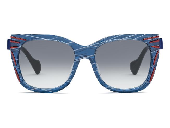 THIERRY LASRY的Kinky浮雕彩色太陽眼鏡。(圖:FENDI提供)