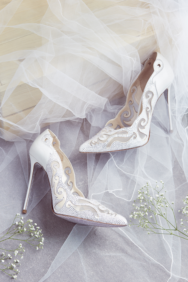 RENE CAOVILLA完美鑽砂寶石婚鞋系列。(圖:RENE CAOVILLA提供)