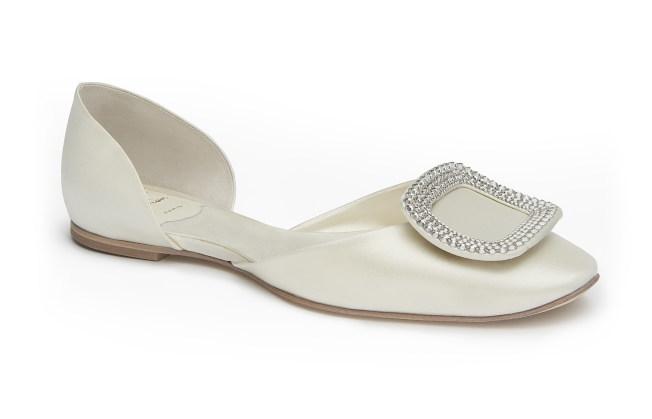 Roger Vivier婚鞋系列平底鞋款。(圖:Roger Vivier提供)