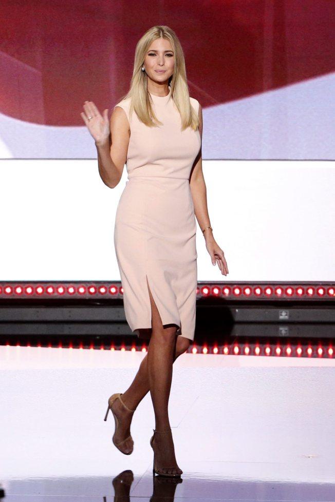 共和黨總統候選人川普的女兒伊凡卡21日晚介紹父親出場。伊凡卡是川普勝選的秘密武器。(歐新社)