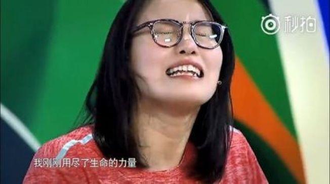 傅園慧在節目中不斷展現可愛本性。圖/翻攝自微博電視