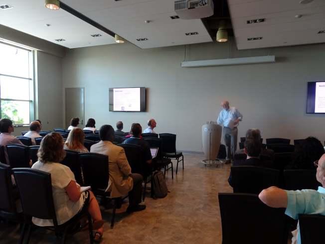 第三屆社會網路國際研討會在新州肯恩大學舉行,來自各地的數十名社會網絡專家,就大數據應用進行全方位探討。(記者謝哲澍/攝影)