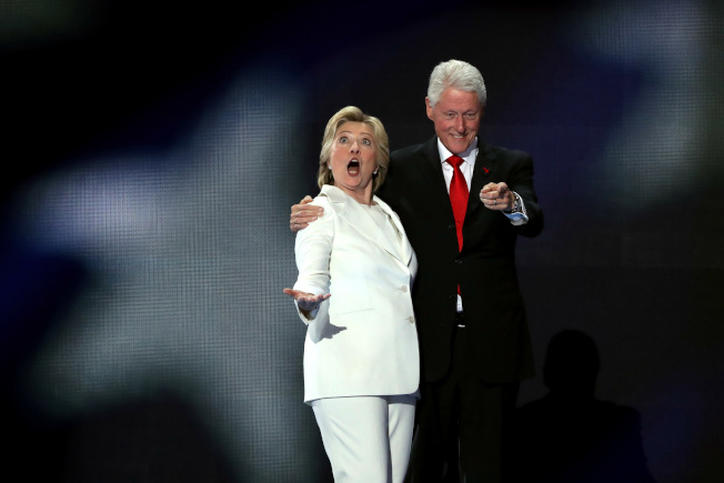 轉移性醜聞 柯林頓炸伊拉克?