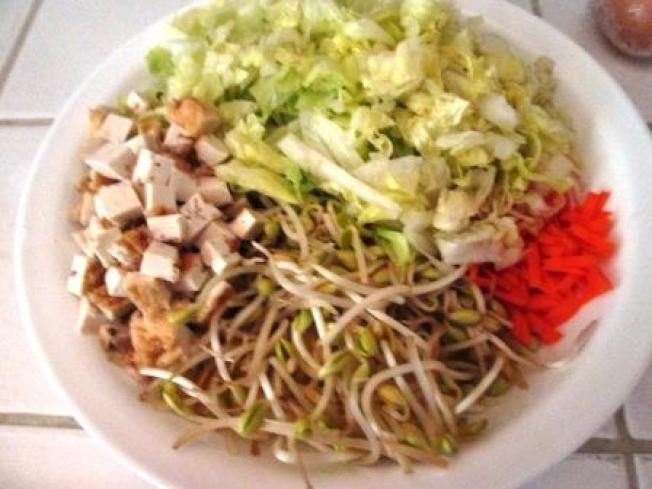 ★(三-1)萵苣黃豆芽湯麵