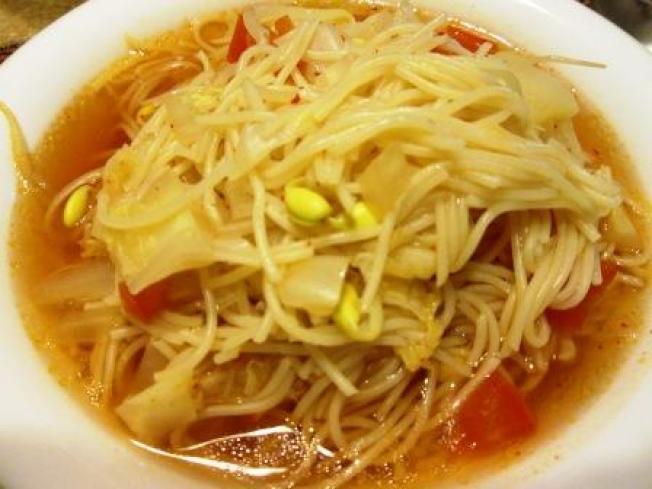 ★(二-2)番茄黃豆芽湯麵