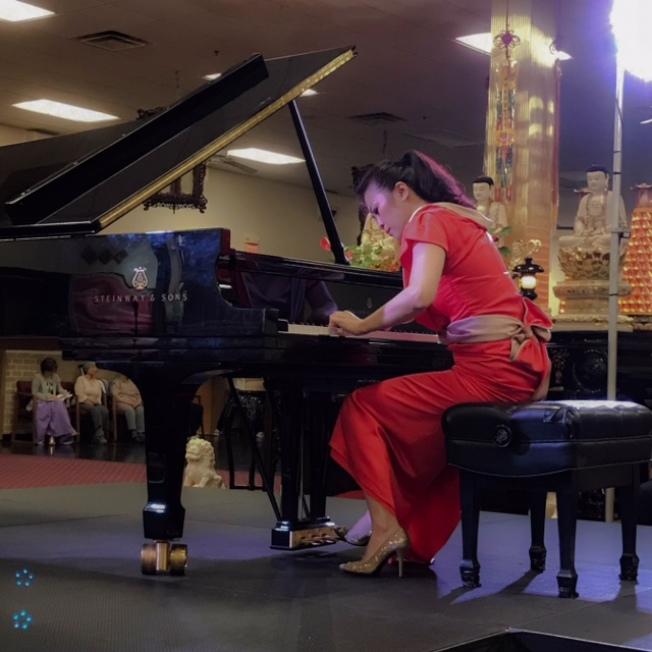 陳毓襄在華嚴精舍舉辦鋼琴演奏會。(華嚴精舍提供)