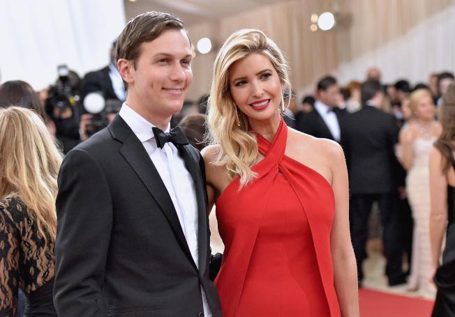 總統當選人川普的交接小組成員包括他的長女伊凡卡及女婿庫許納,兩人亮麗的外型,甚受外界關注。(Getty Images)