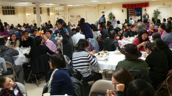 勒星頓華人協會年會,約300人與會。(記者唐嘉麗/攝影)