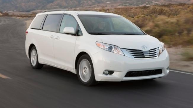 豐田宣布召回Sienna廂型車,以檢修滑動車門問題。(Getty Images)