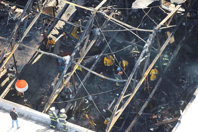 屋崙倉庫大火發現33焦屍 展開犯罪調查