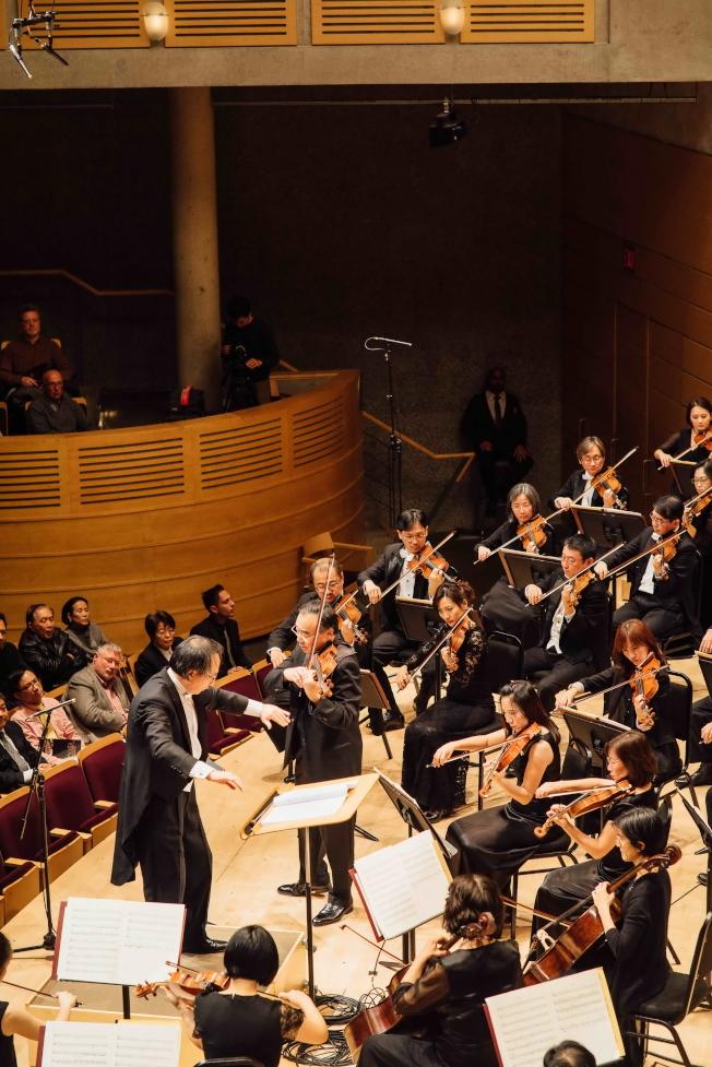 NSO與小提琴家林昭亮合作蕭泰然小提琴協奏曲。(圖:NSO提供)