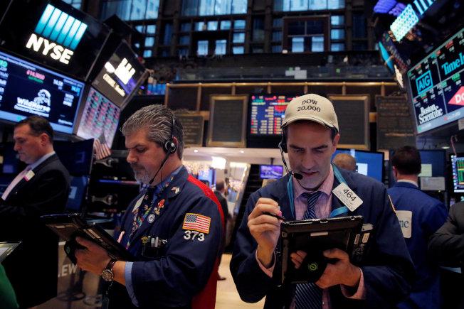 投資者最近幾天一直在等待道指衝破2萬點大關,但仍未能取得突破。(路透)