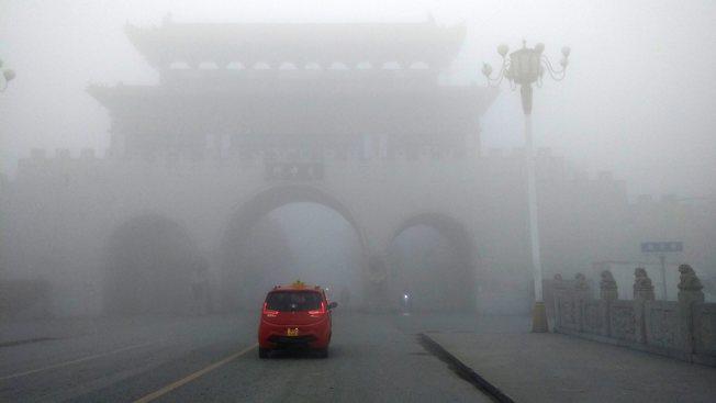 能見度50米!中國首發大霧紅色預警