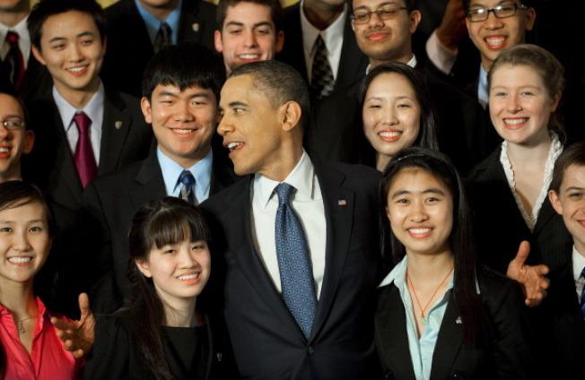 这项科学奖提供全美高中生科学竞赛最高金额的奖学金,最后得主也是唯一受邀到白宫,总统接见的科学奖。(白宫网站)