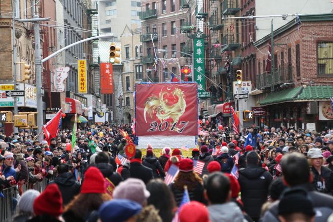 數十萬民眾齊聚,共襄年度盛舉。(記者洪群超/攝影)