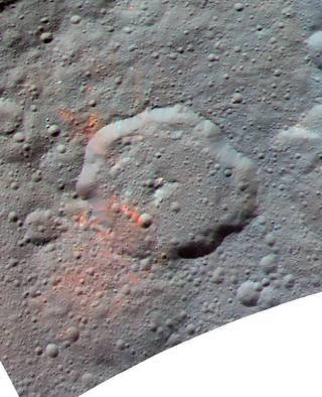 跟美國德州一樣大的穀神星,位在火星和木星軌道之間的主要小行星帶中。