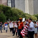 嗆川普移民禁令 休城示威