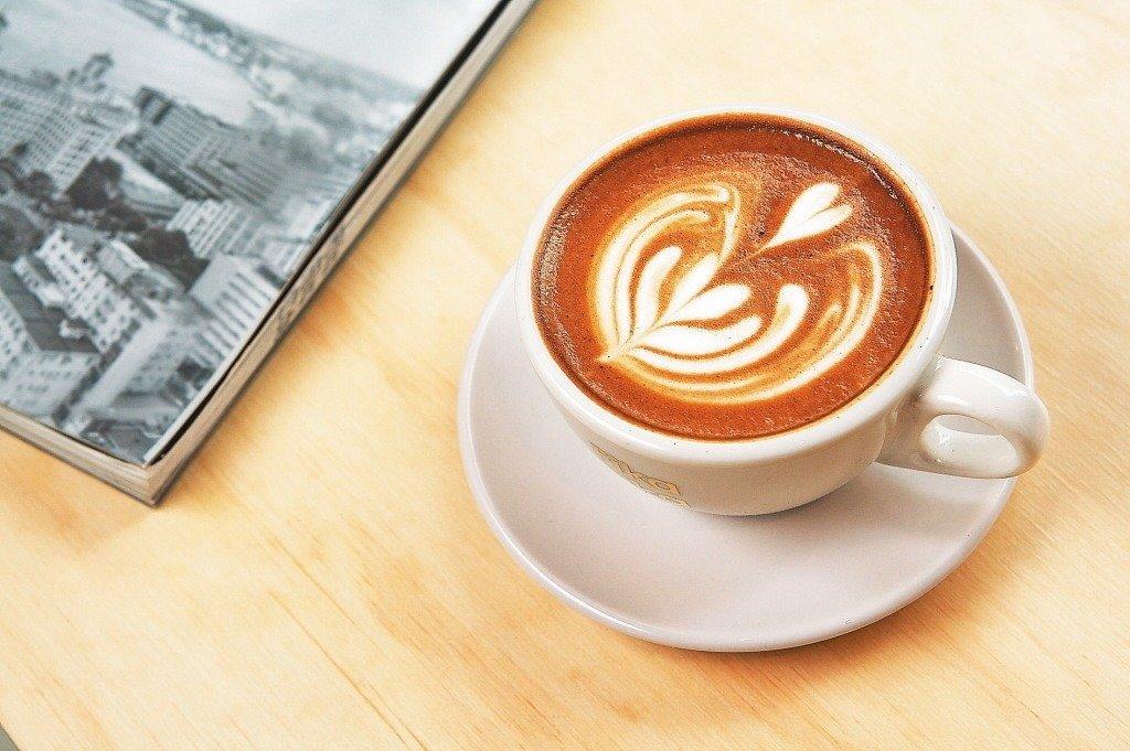 咖啡有益於中樞神經及心臟血管系統,台南市郭綜合醫院表示,喝咖啡還有助於排氣,減少術後腸阻塞。 本報系資料照