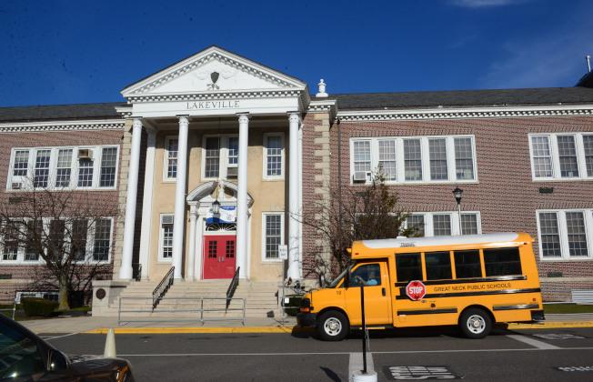 長島大頸的Lakeville小學被「Niche」教育網站評為紐約州最佳小學。(記者許振輝/攝影)