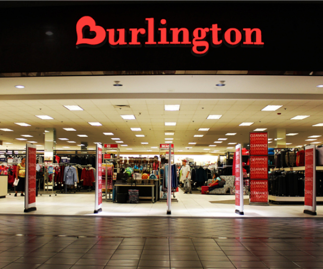 折扣零售商TJX、Ross和Burlington,今年將再開設近300家分店,相當於梅西、西爾斯和潘尼百貨公司計畫關閉分店的總和。(網路圖片)