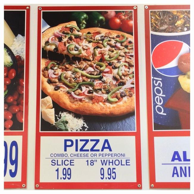 在好市多,一年買八到十個披薩,就賺回會員費。(網路圖片)