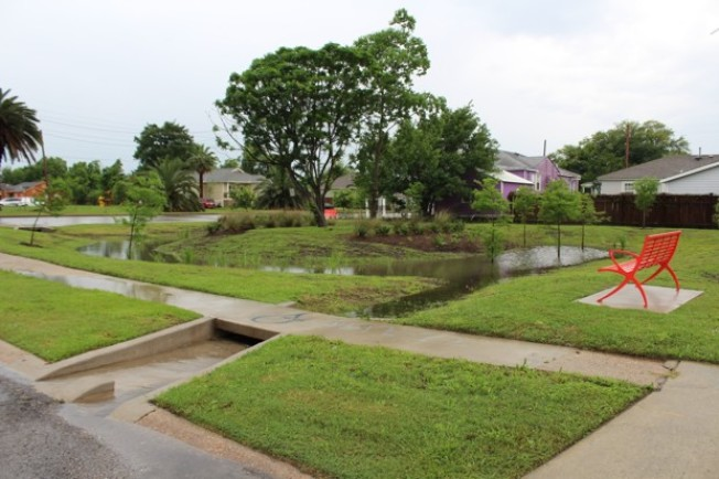 紐奧良市首座雨花園位於市區東北部的尚提利住宅區。(紐奧良再開發局提供)