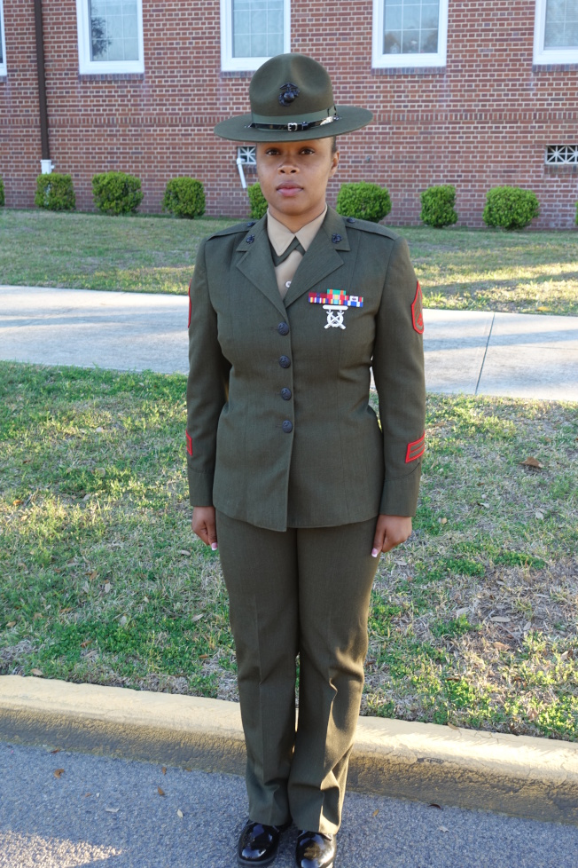 女教官Simone King把女兵當成自己的女兒。(記者金春香/攝影)