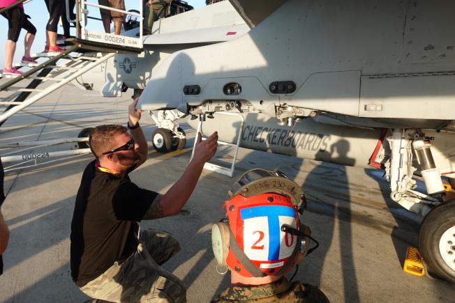 帕里斯島基地停有陸戰隊的戰機。(記者金春香/攝影)