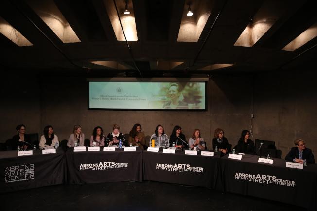 牛毓琳主辦女性歷史月論壇,邀請14名各領域成功女性分享經驗並提出建言。(記者洪群超/攝影)