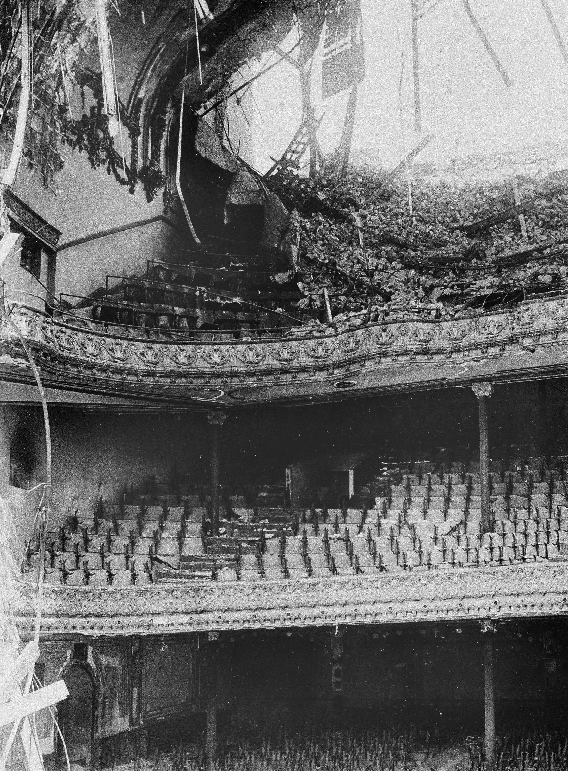 Majestic Theater被震塌,所幸在演出結束六小時後才發生地震。美聯社