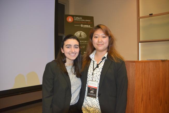 來自羅德島藝術學院的韓國學生Sung和美國學生Isabel是本次比賽的競爭對手。(記者孫楠希/攝影)