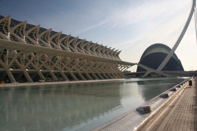瓦倫西亞「藝術和科學城」的現代風格建築。